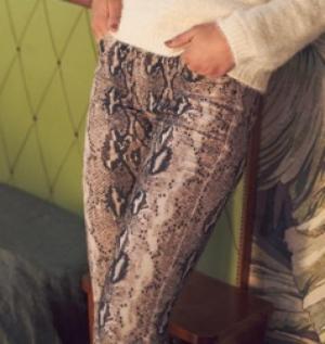 1214 21 [Trousers] logo